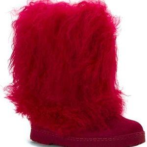 BEARPAW® Boetis II boots (hot pink) NWOT